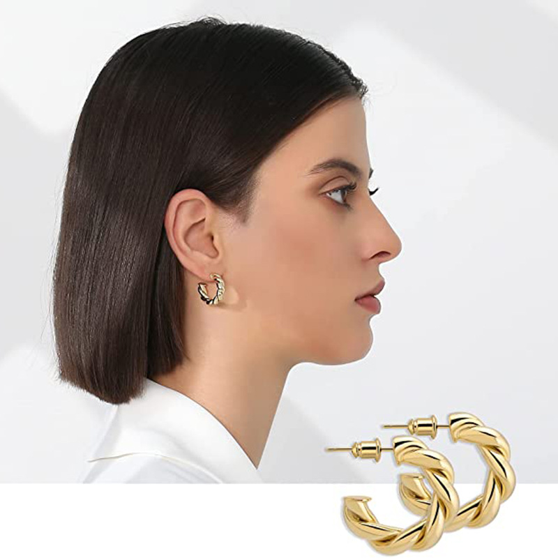 C-Shaped Rope Copper Stud Earrings for Alluring Looks