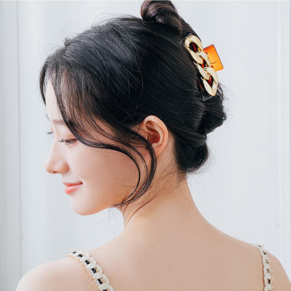 Dainty Metal Chain Hair Claw Clip for Casual Gathering
