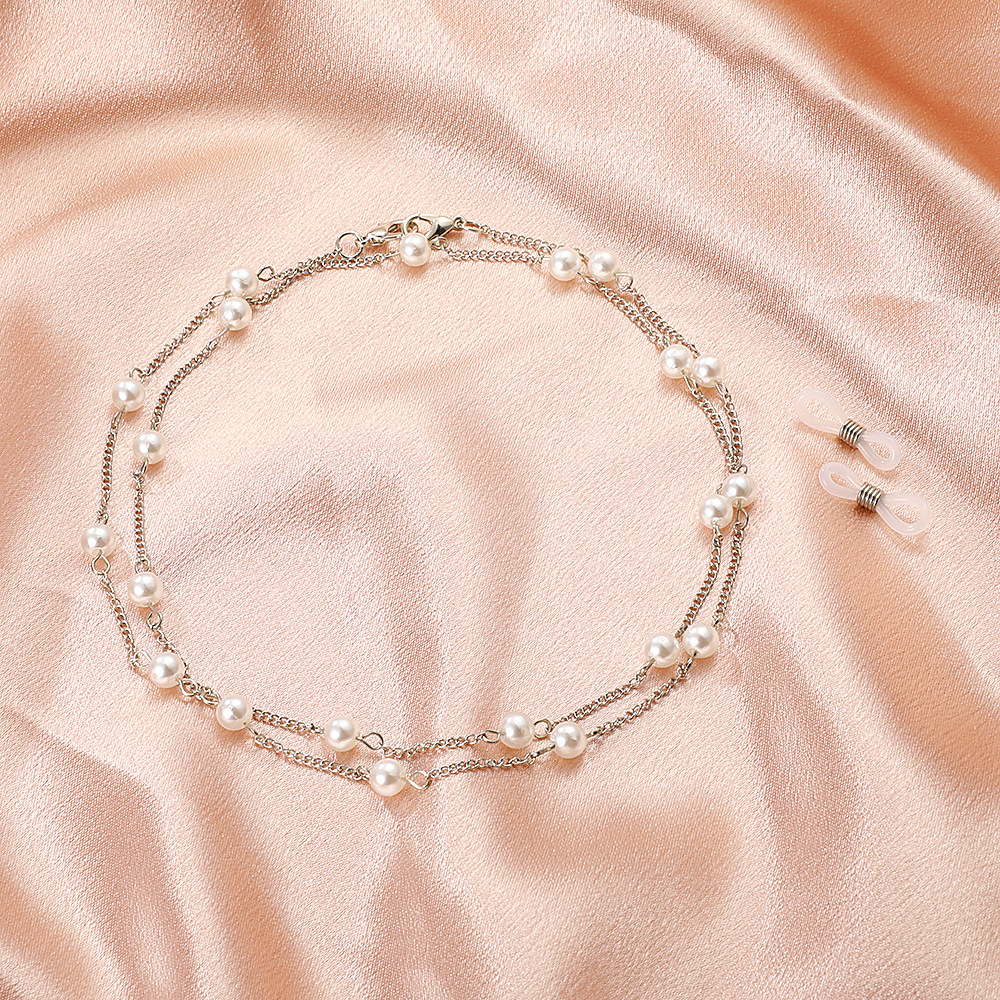 Elegant-Looking Faux Pearl Designed Necklace for Simple Gatherings