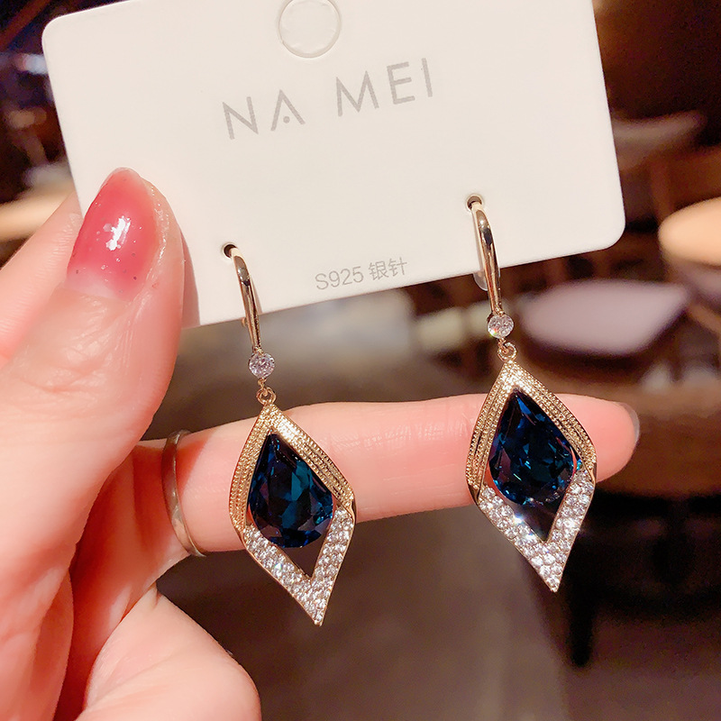 Captivating Alloy Earrings for Chic Looks