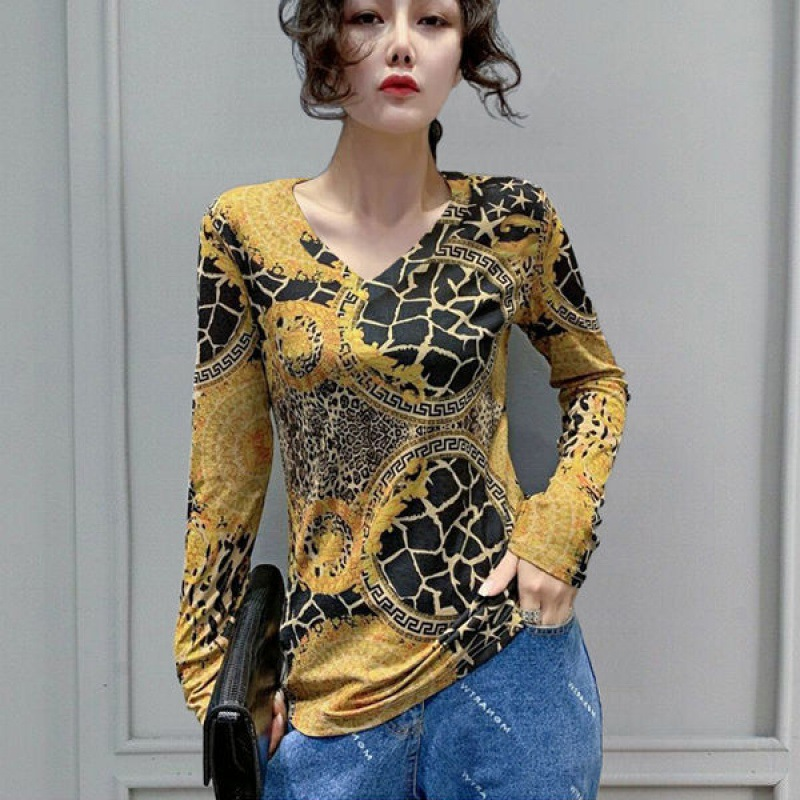 Fashionable Print V-Neck Sweater for Classy Women
