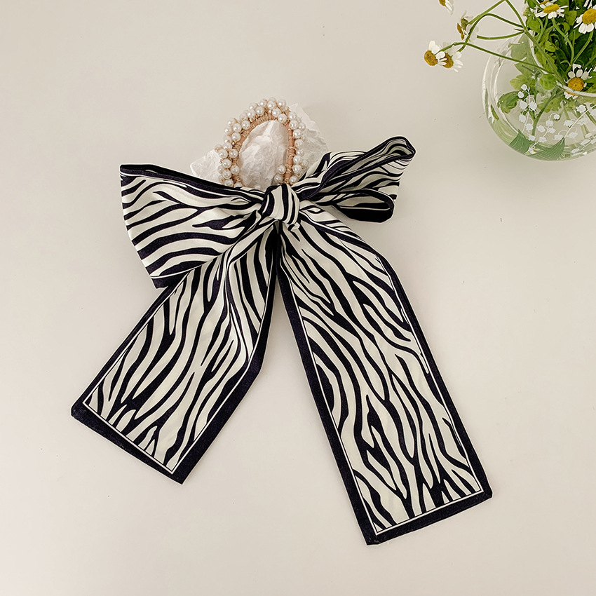 Ribbon Scarf with Pearl Beads Scrunchie for Trendy Hairstyle