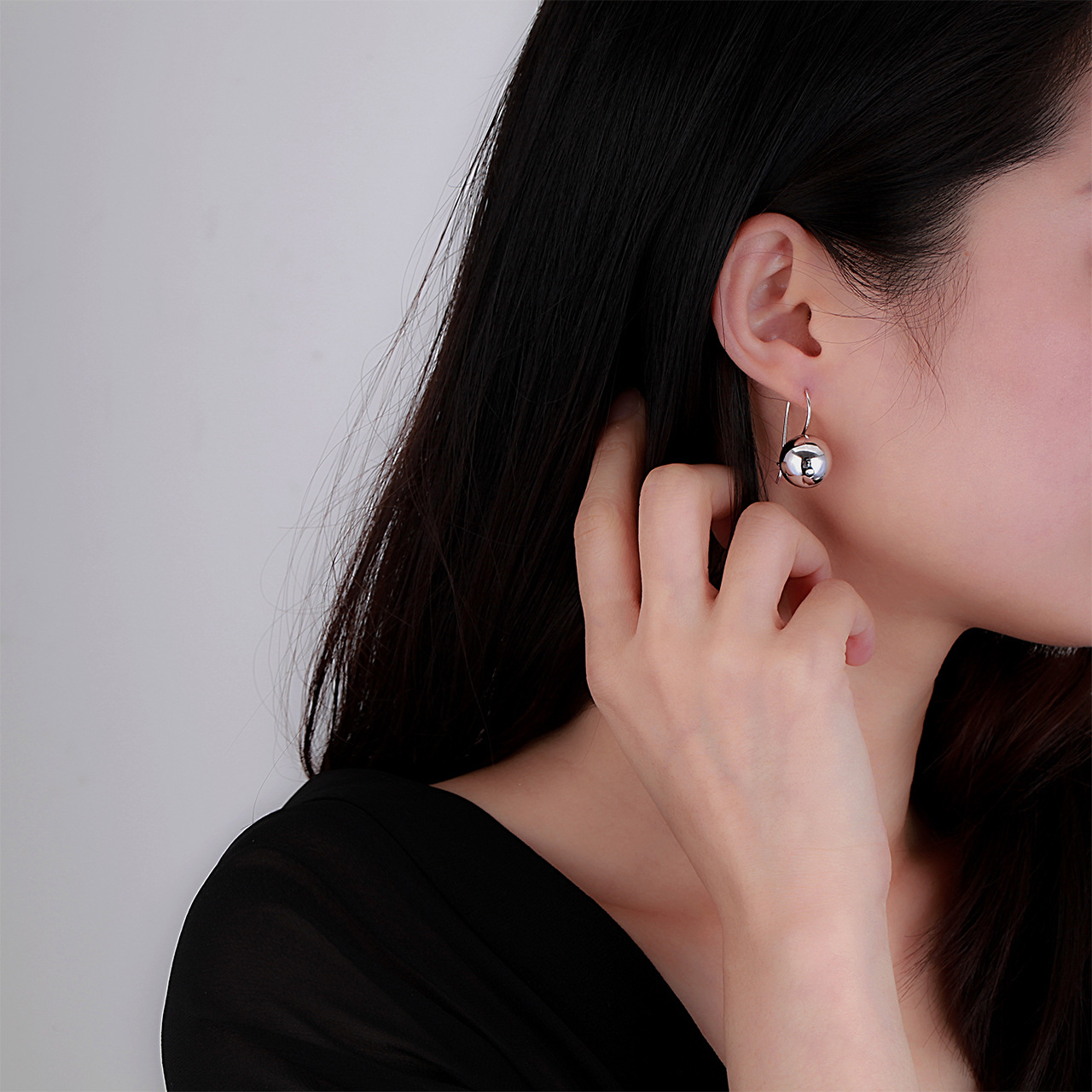 Simple Silver Dangling Ball Earring for Casual and Formal Attire