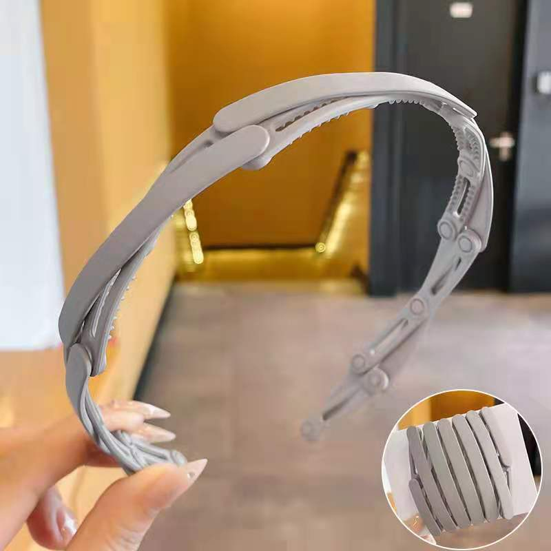 Austere Plastic and Resin Headband for Keeping Your Hair Intact