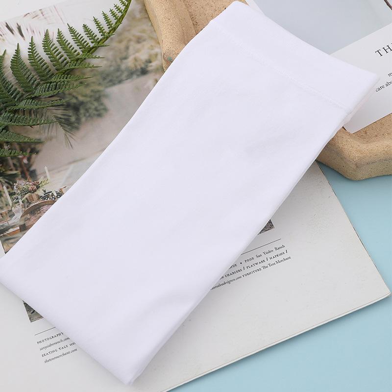 Snug Nylon Arm Sleeves for Outdoor Activity