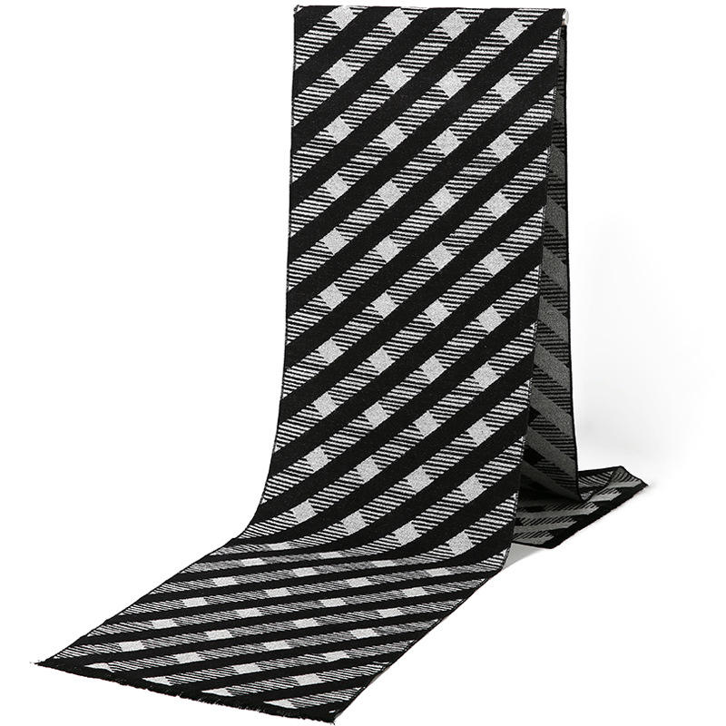 All-Match Thickened Plaid Scarf for Innovative Business Meetings