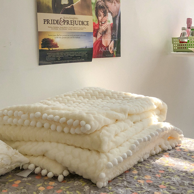 Soft and Thick Solid Color Blankets for Bed Rooms