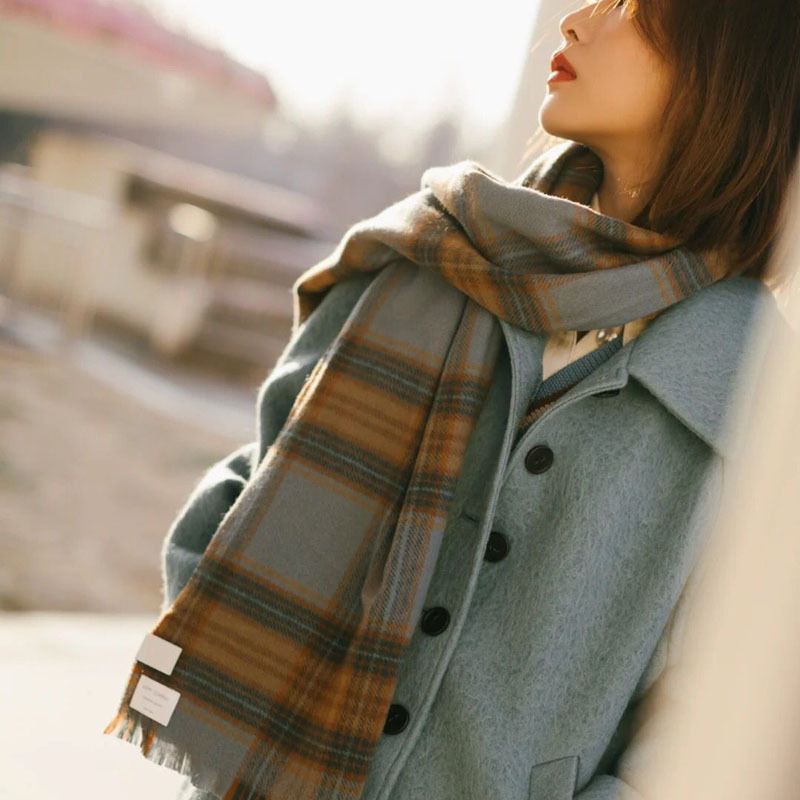 Voguish Faux Cashmere Fringed Plaid Scarf for Runway Modeling