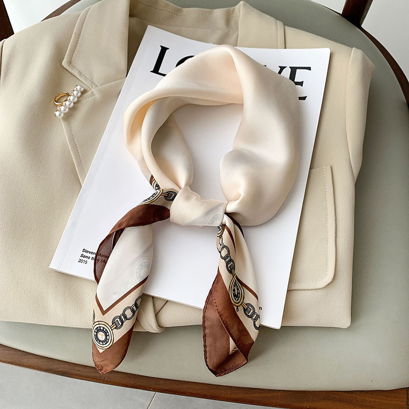 Fashionable Soft Scarf for Vintage-Inspired Accessories