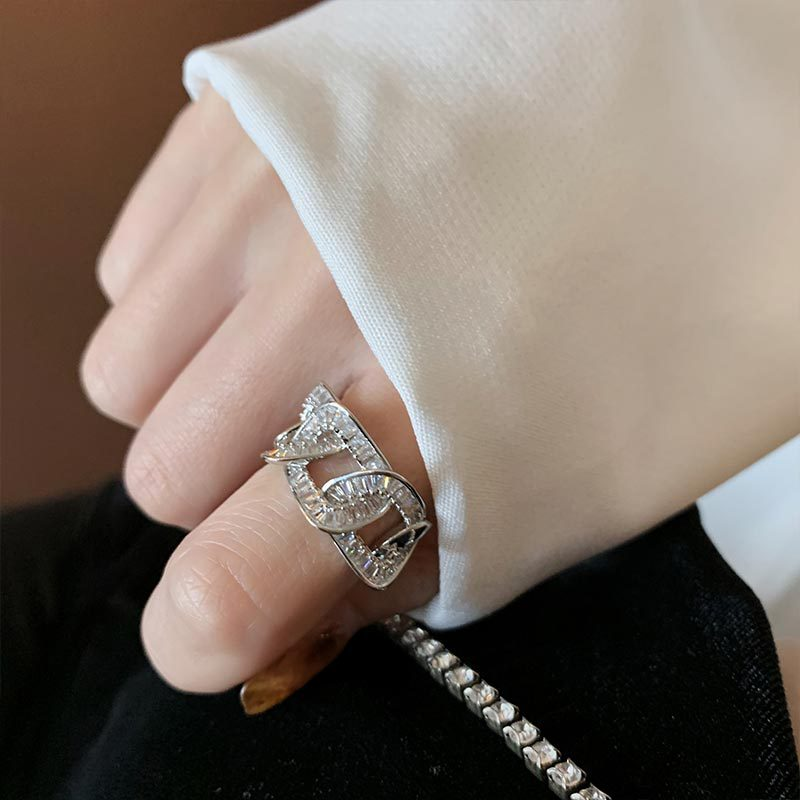 Fancy Chain Ring for Matching Classy Outfits