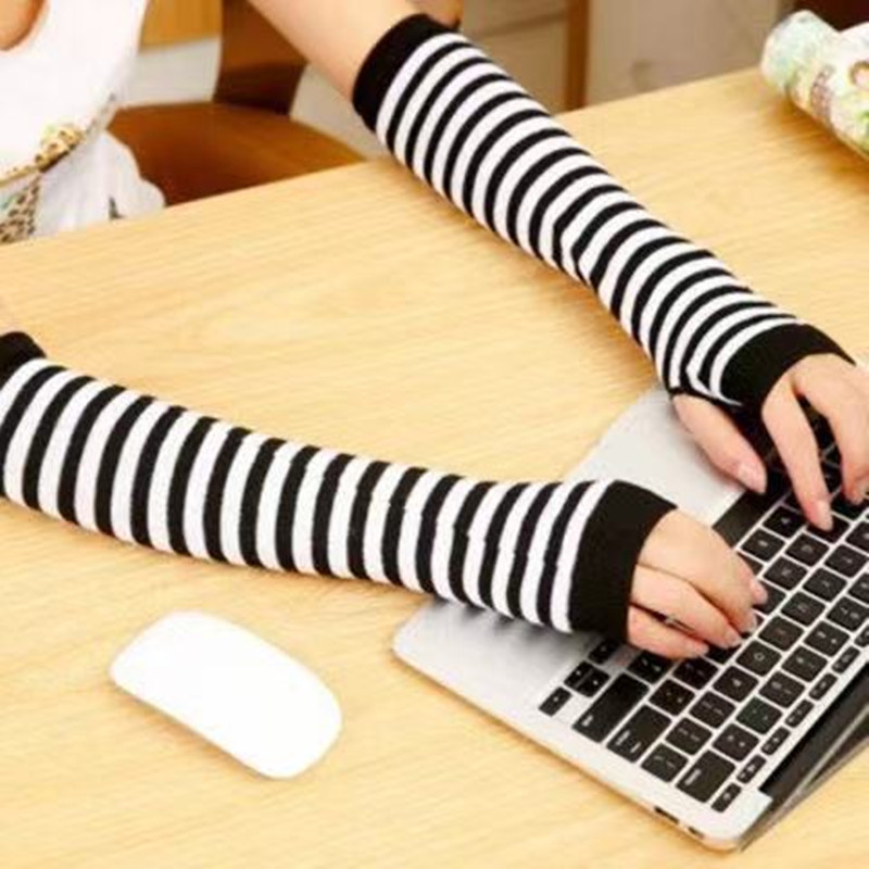 Unusual Knitted Fabric Arm Sleeve for Adult Musicians