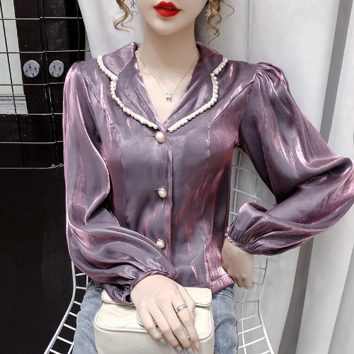 Retro Pleated Sleeve Clover Revers Collar Top with Pearl Accents for Party Wear