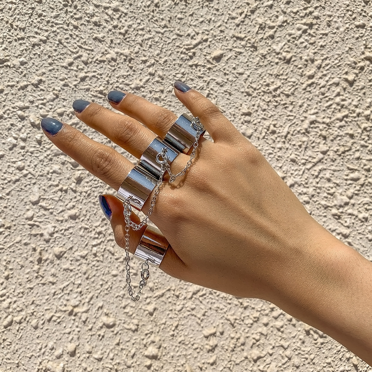 Thick Four-Finger Iron Ring with Metal Chain for Punk Style