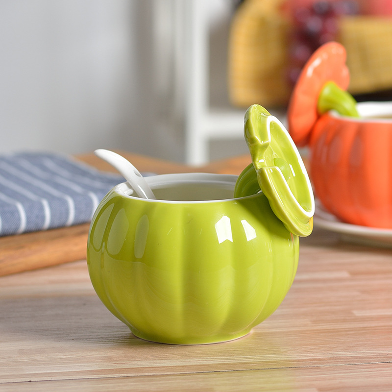 Classy Ceramic Seasoning Tank with Spoon for Kitchen Supplies