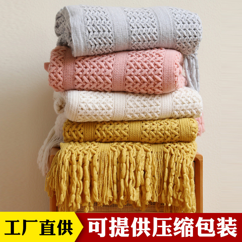Warm Cable-Knit Sofa Blanket for Cozy Weather