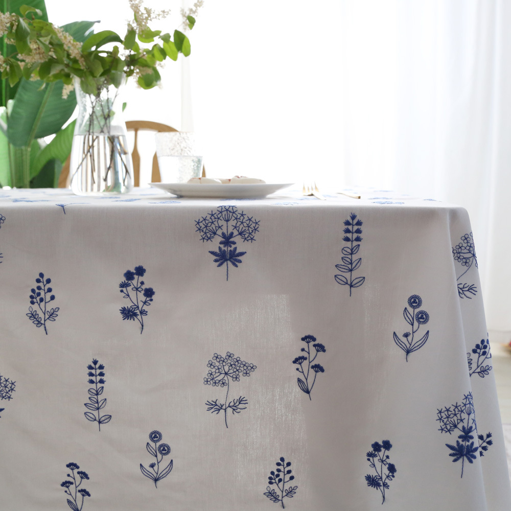 Appealing Cotton Floral Tablecloth for Improving the Ambiance of Your Dining Area