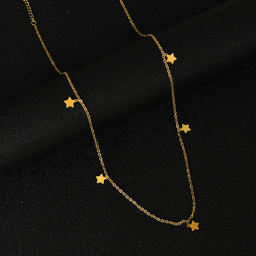 Fashionable Star Pendant Clavicle Chain Necklace for Matching Casual Outfits