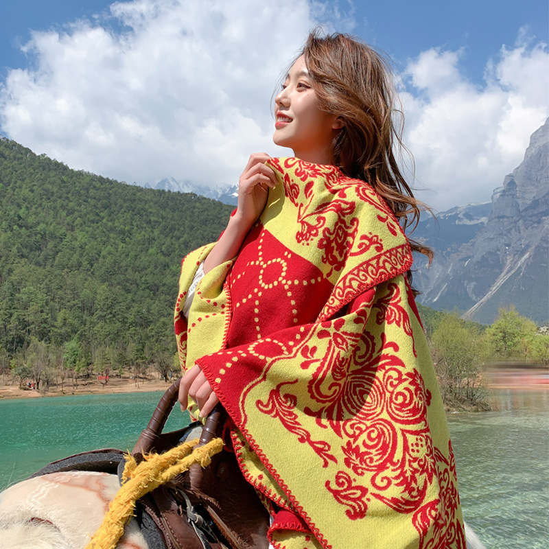 Stunning Baroque Print Faux Cashmere Shawl for Eye-Catching Autumn Ensembles