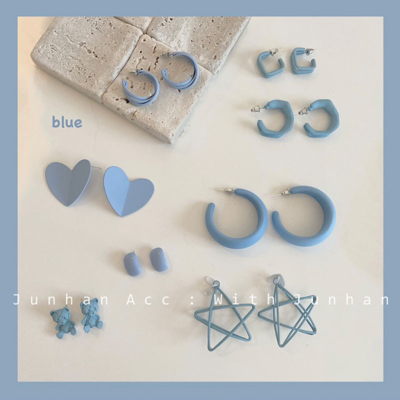Adorable Blue Earrings for Pairing-Up With Fancy Summer Clothes