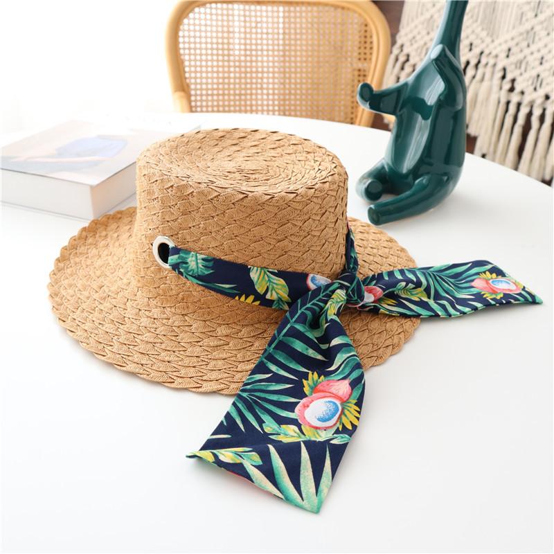 Smashing Straw Sun Hat for Summer Getaways