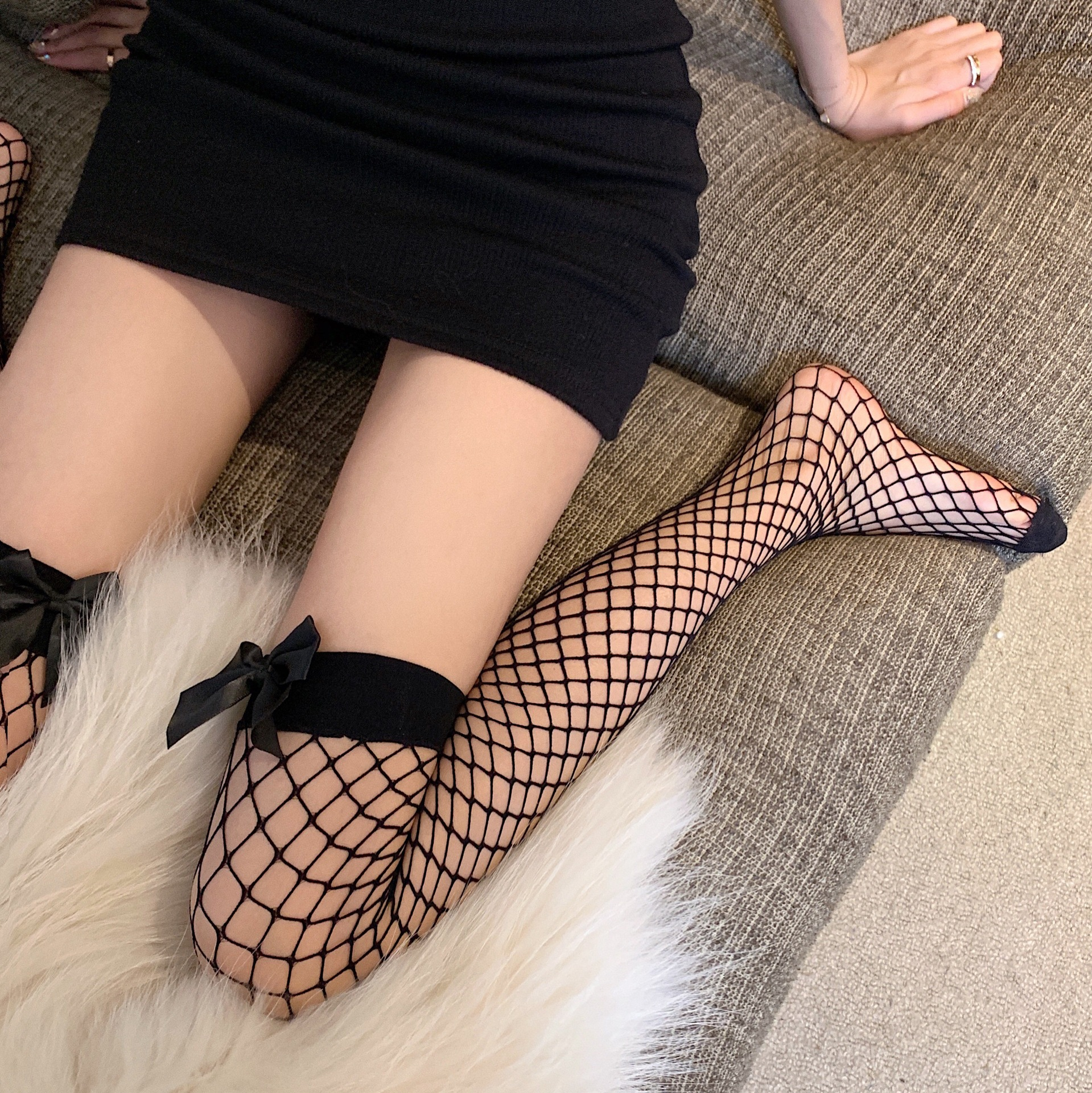 Seductive Fish-Net High-Length Stockings With Bow-Tie Design for Alluring Look