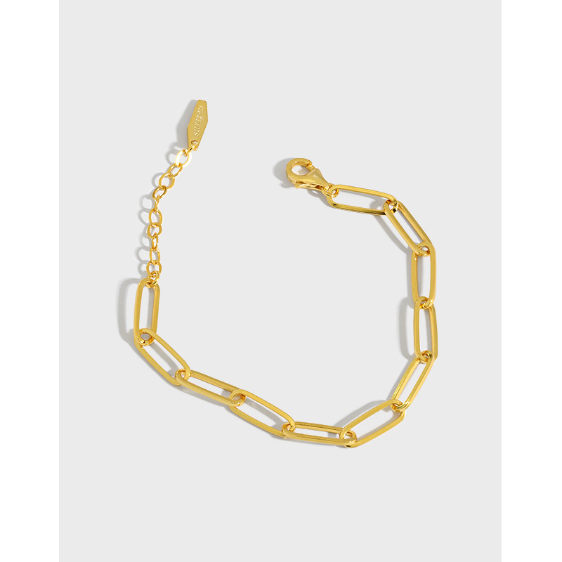Luxurious Figaro Chain Bracelet for Fancy Restaurant Dates