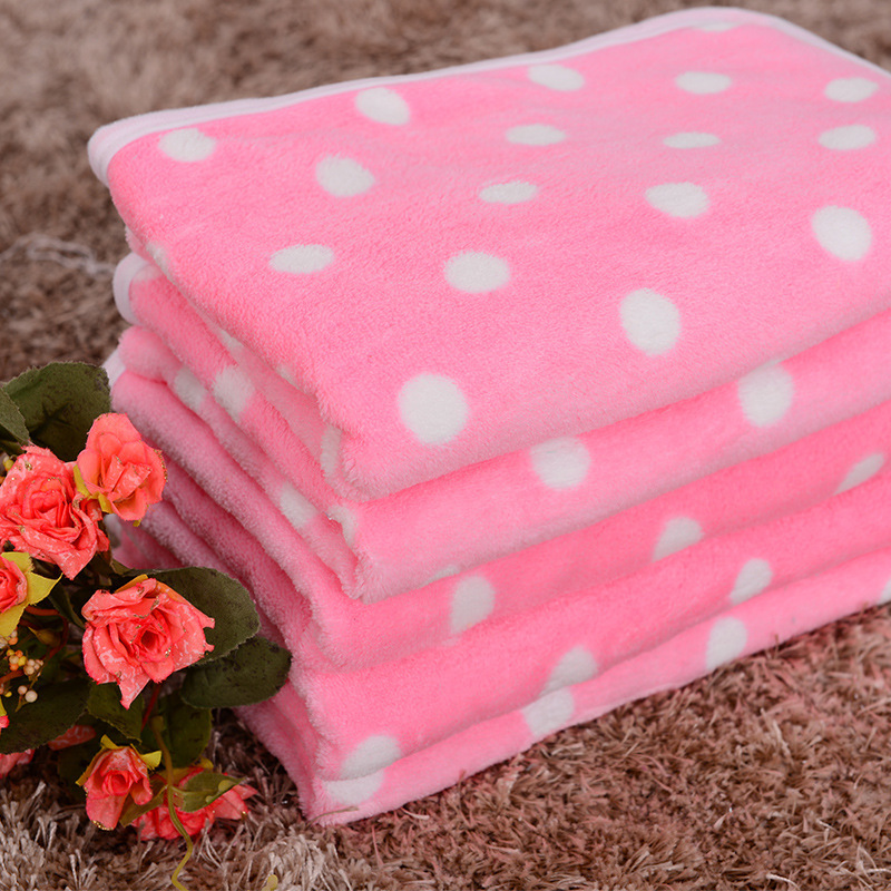Cute and Soft Polka Dot Pets Blankets for Pets Cozy Naps