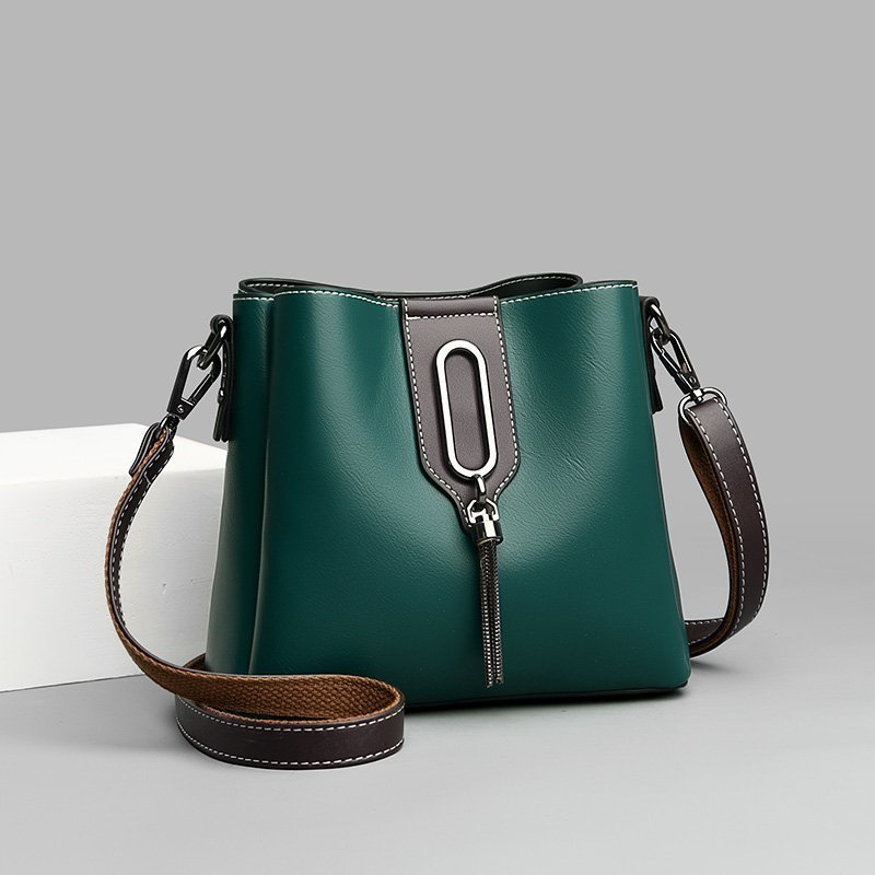 Simple Chain Bucket  Leather Bag for Middle-Aged Women