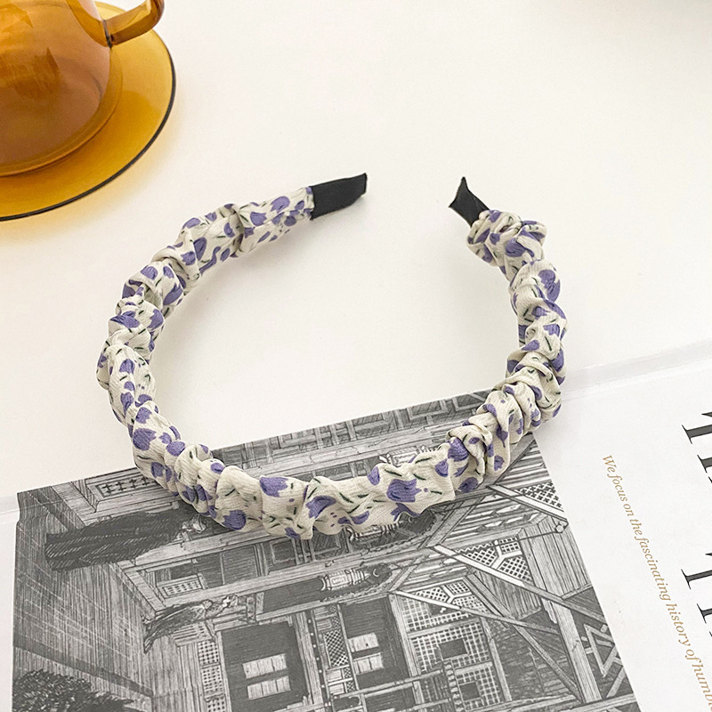 Snazzy Cloth Floral Headband for Chic Looks