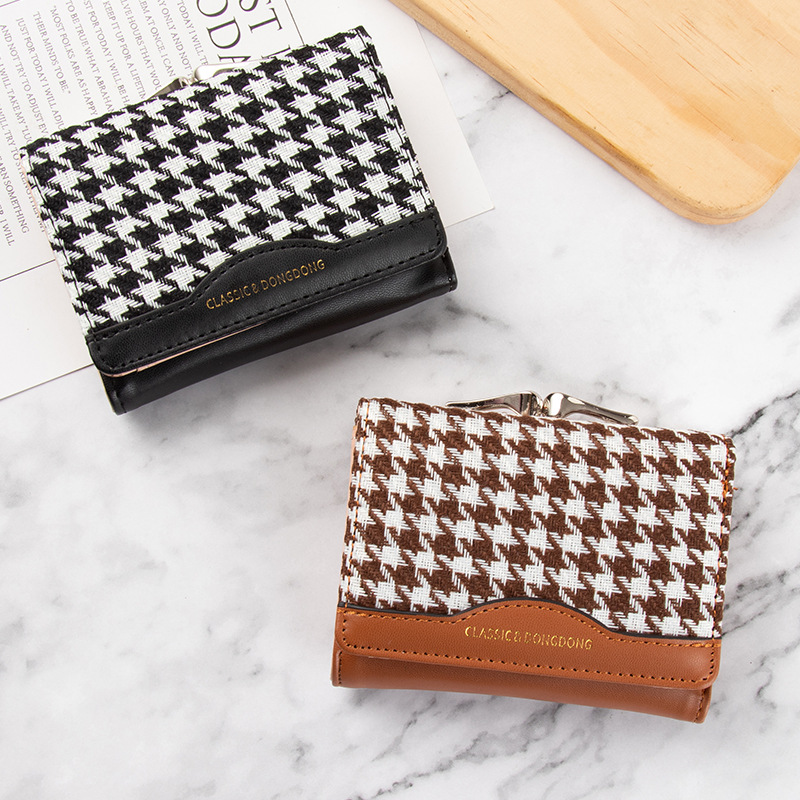 Stylish Houndstooth Pattern Tri-fold Wallet for Everyday Use