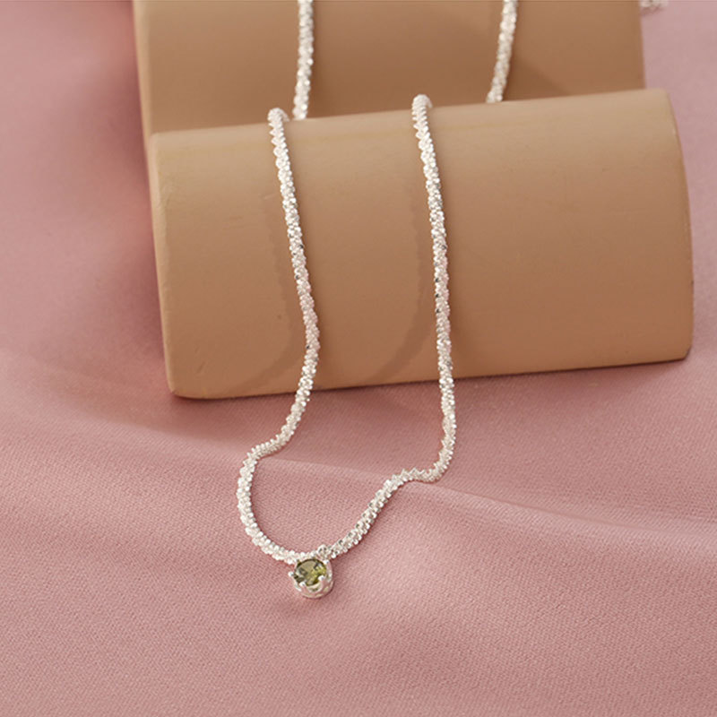Luxurious Olive Green Diamond Pendant Silver Necklace for Dressy Outfit