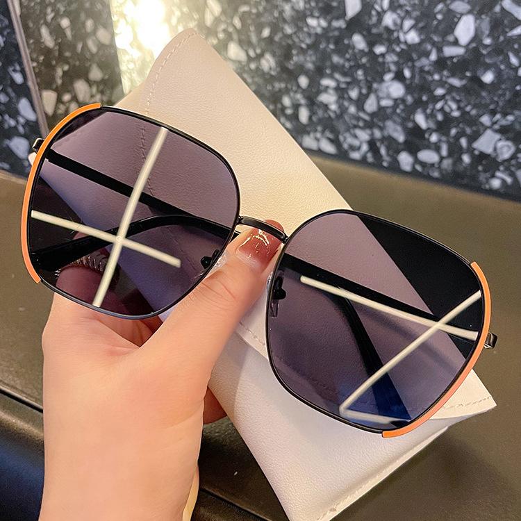 Stylish Full Rim Adjustable Nose Pads Sunglasses for Elevating Summer Look