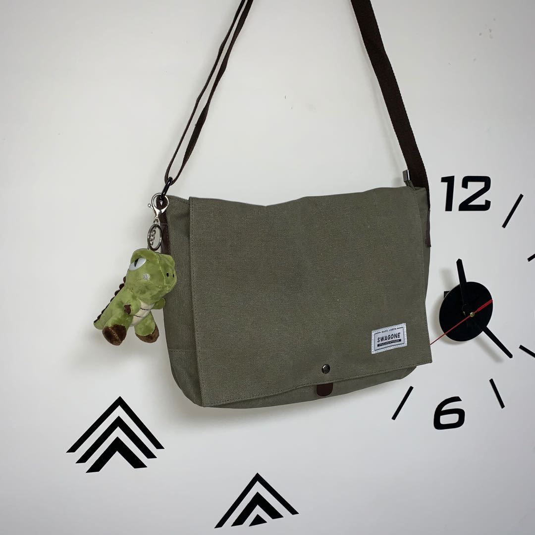 Trendy Vintage Style Swagone Unisex Canvas Messenger Bag with Cute Keychain for University Events