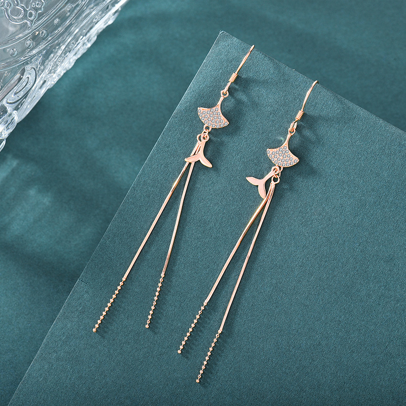 Durable Tassel Earrings for Styling with Baggy Top