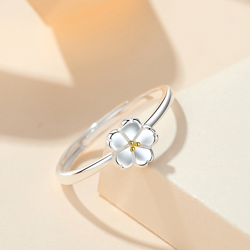 Simple Flower Silver Ring for Ring Fingers