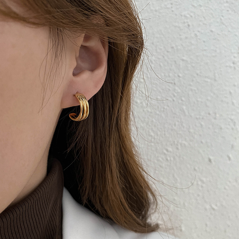 Trendy Silver-Plated Earrings for Cute Yet Simple Outfits