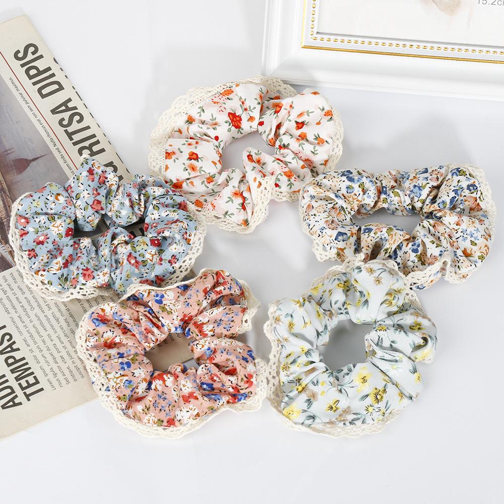 Chic Light Floral Print Scrunchie for Summer Wear