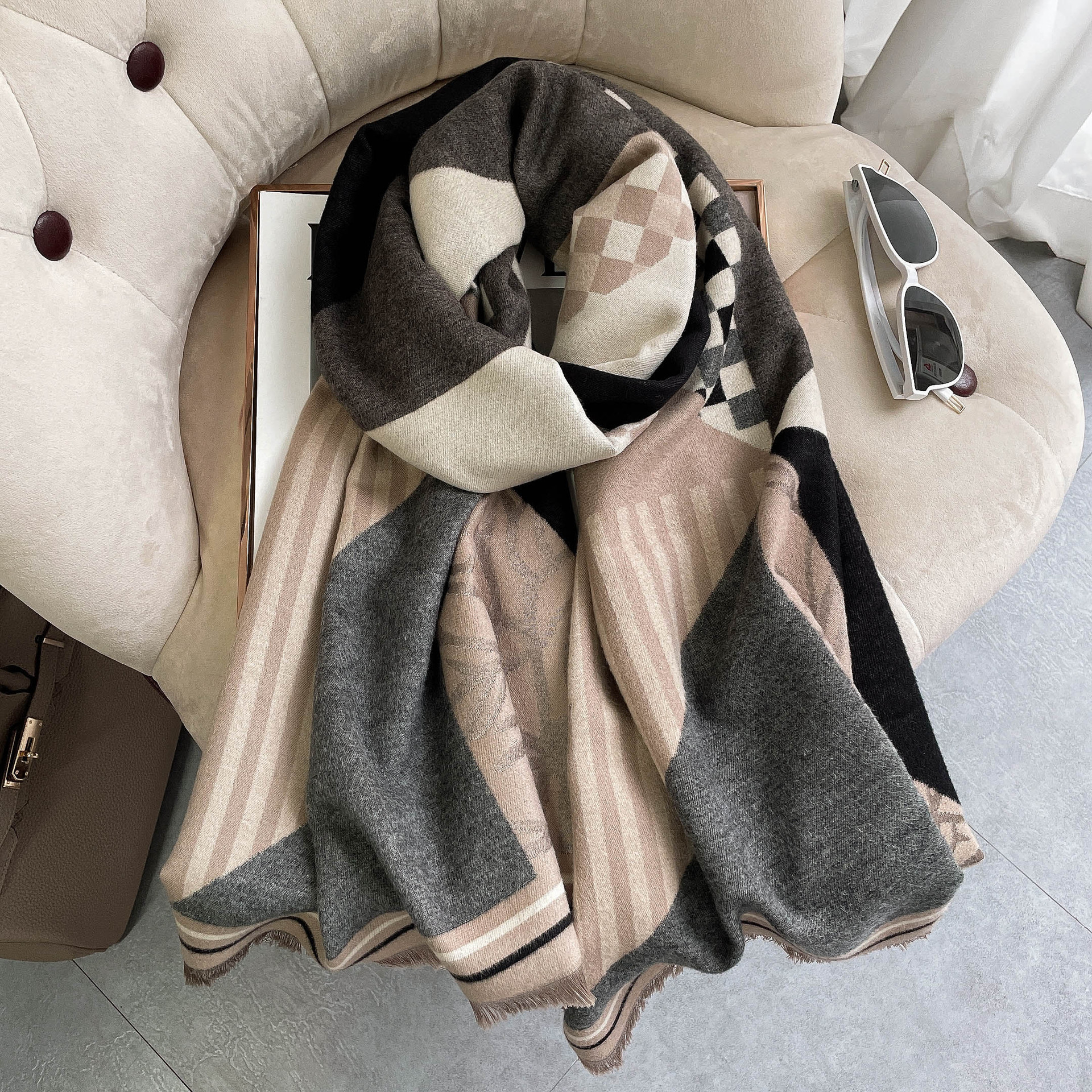 Printed Imitation Cashmere Scarf for Upcoming Winter Season