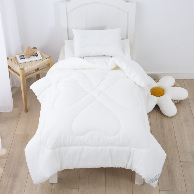 Relaxing White Cotton and Silk Quilt for Babies Sleeping Comfort