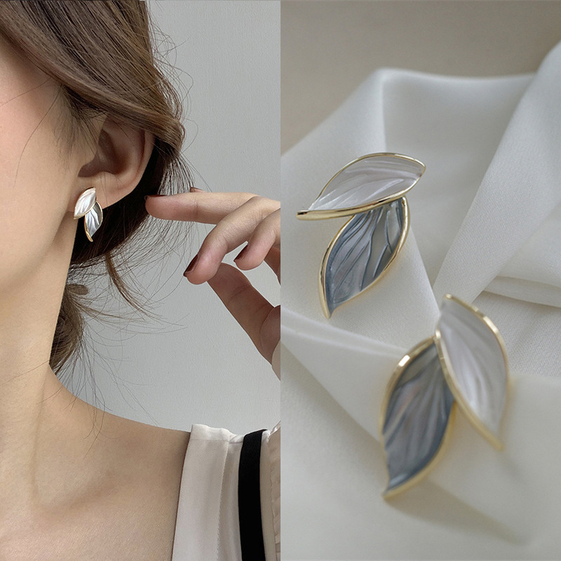 Simple Leaf Design Stud Earrings for Everyday Casual Accessory