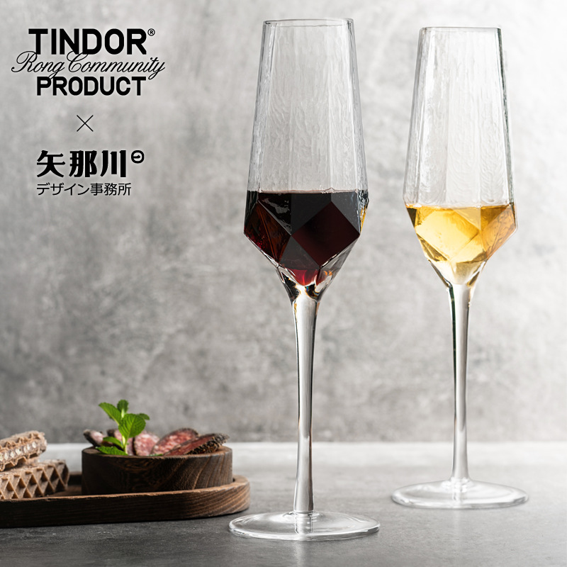 Beautiful Intricate Design Wine and Champagne Glass for Enjoyable Drinking Experience