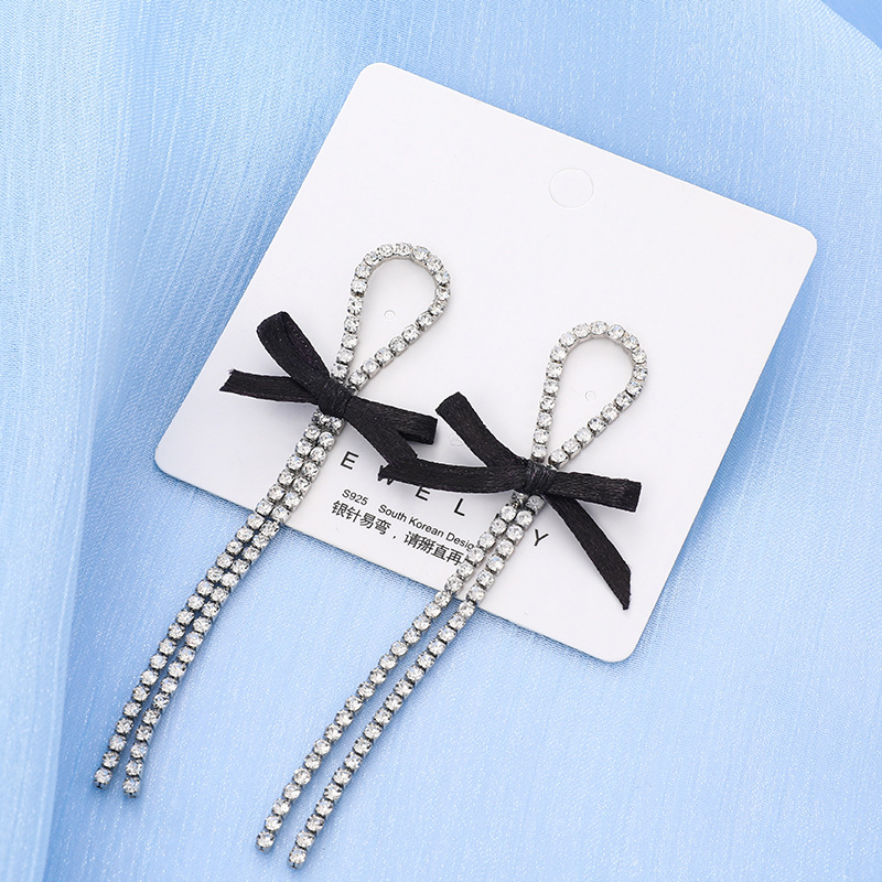 Cute Long Rhinestone Earring with Bowknot Detail for Gathering with Friends
