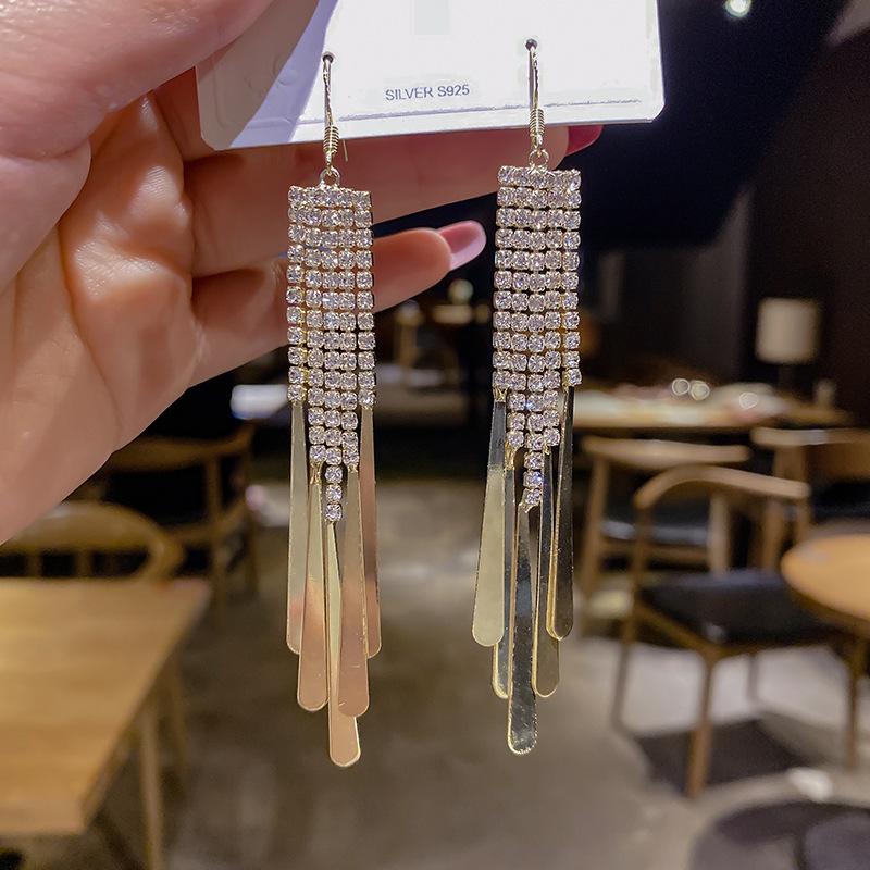 Comely Copper Tassel Earrings for Chic Looks