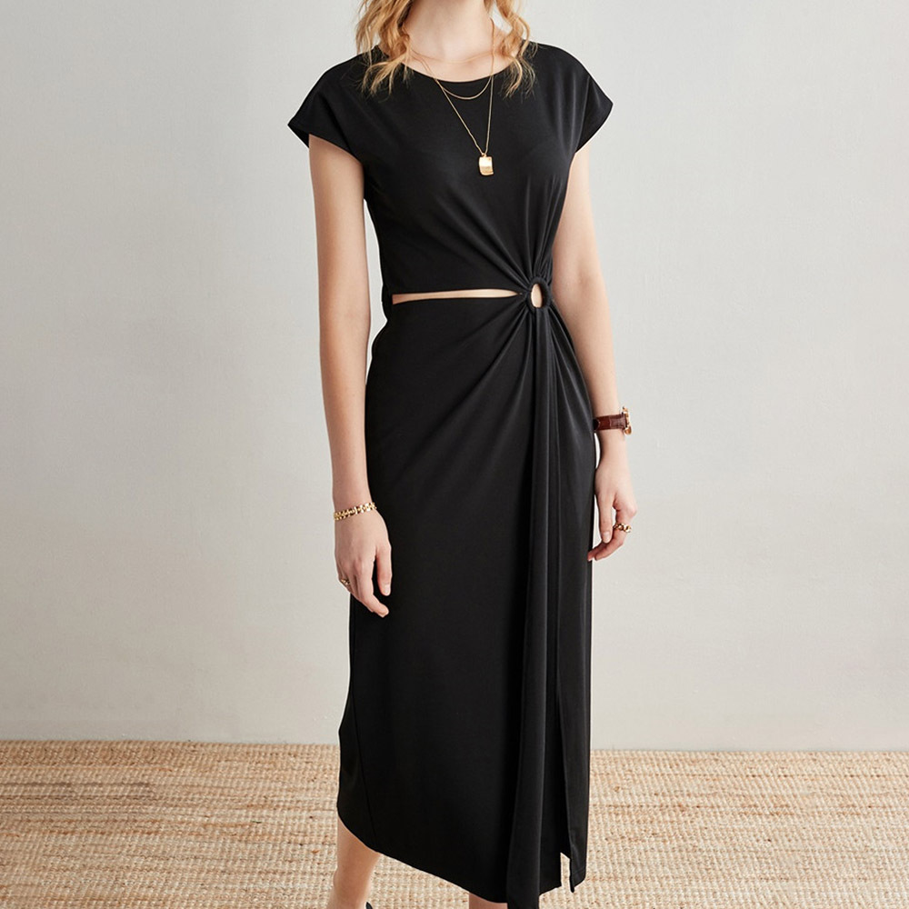 Comfortable Black Cut-Out Ruched Dress for Outdoor Wear