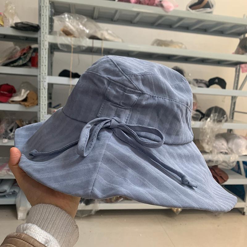 Eye-Catching Retro Bucket Hat for Summer Travels