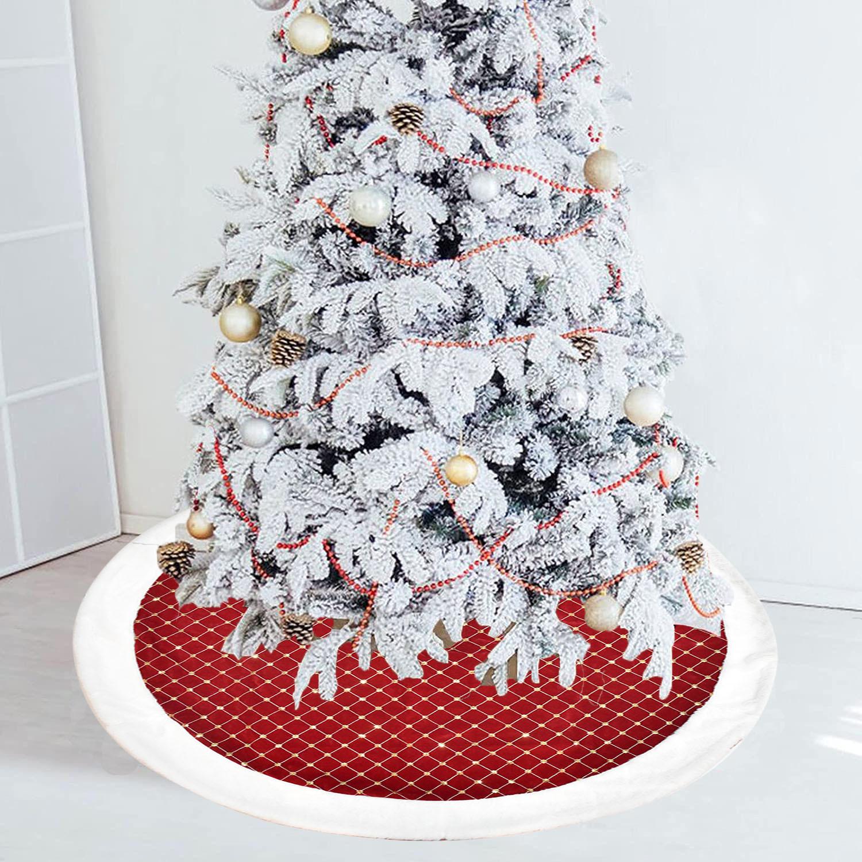 Chic Striking Plaid Tree Skirt for Festive Holiday Interiors