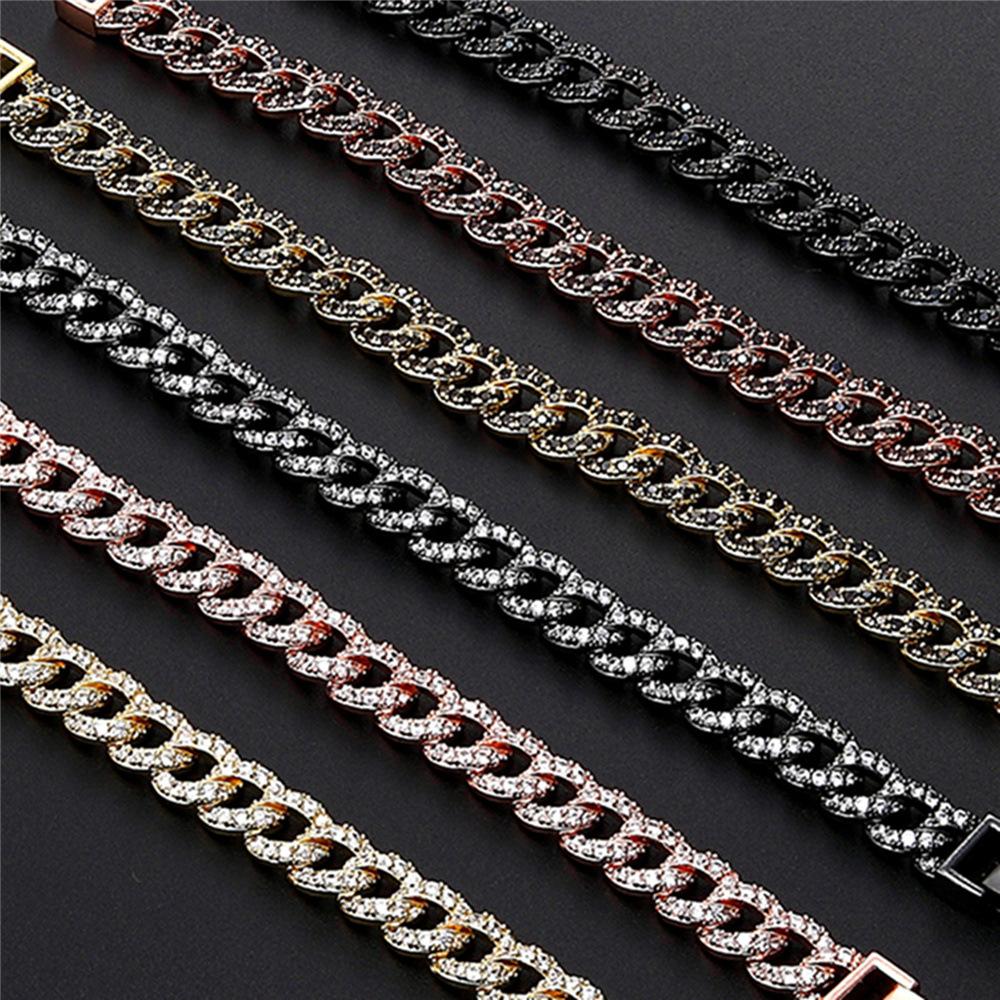 Modern Big Chain Bracelet for Fashionable Dates