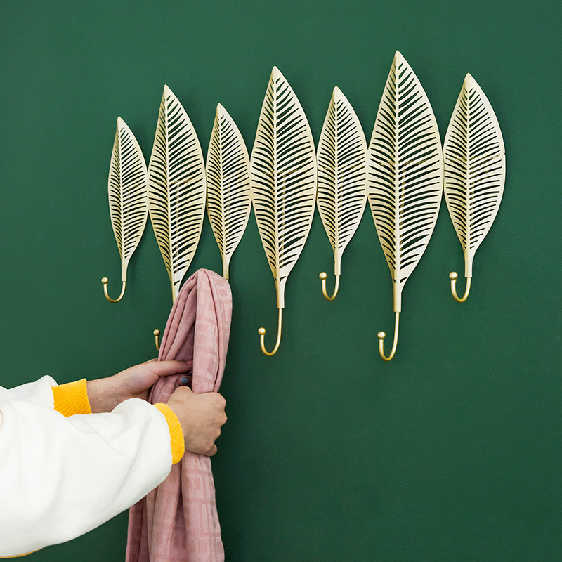 Durable Iron Leaves Wall Decoration for Improving the Ambiance of Your Home
