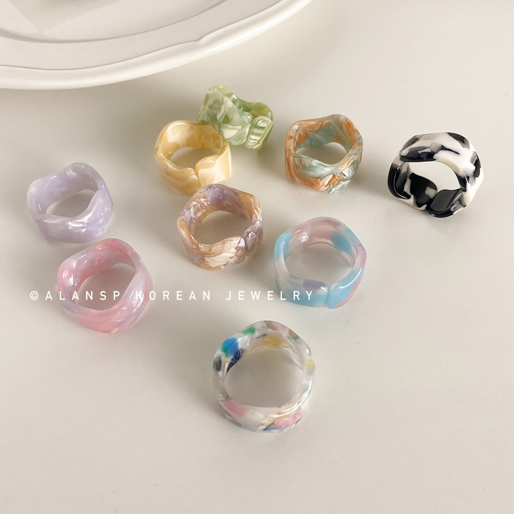 Stylish Tie-Dye Acetate Resin Ring for Women's Elegant Accessories