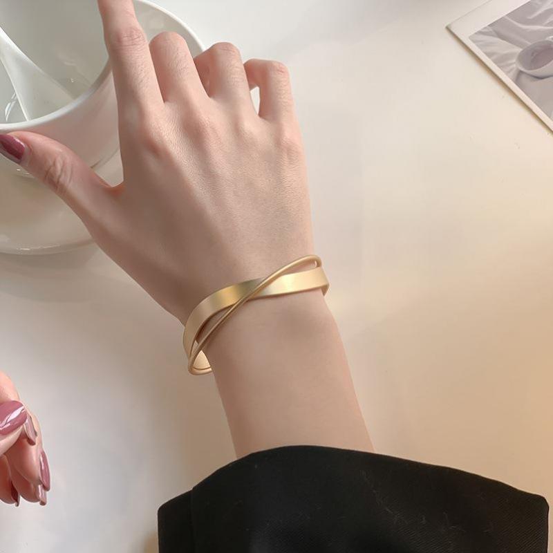 Elegant Cuff Bracelet for All Kinds of Formal Events